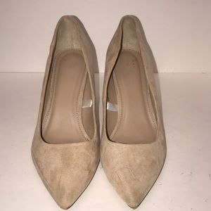 A new day Tan 3 1/2 inch heels